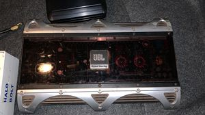JBL grand touring amp Factory refurbished mono subwoofer amplifier — 1,114 watts RMS x 1 at 2 ohms for Sale in Miami, FL