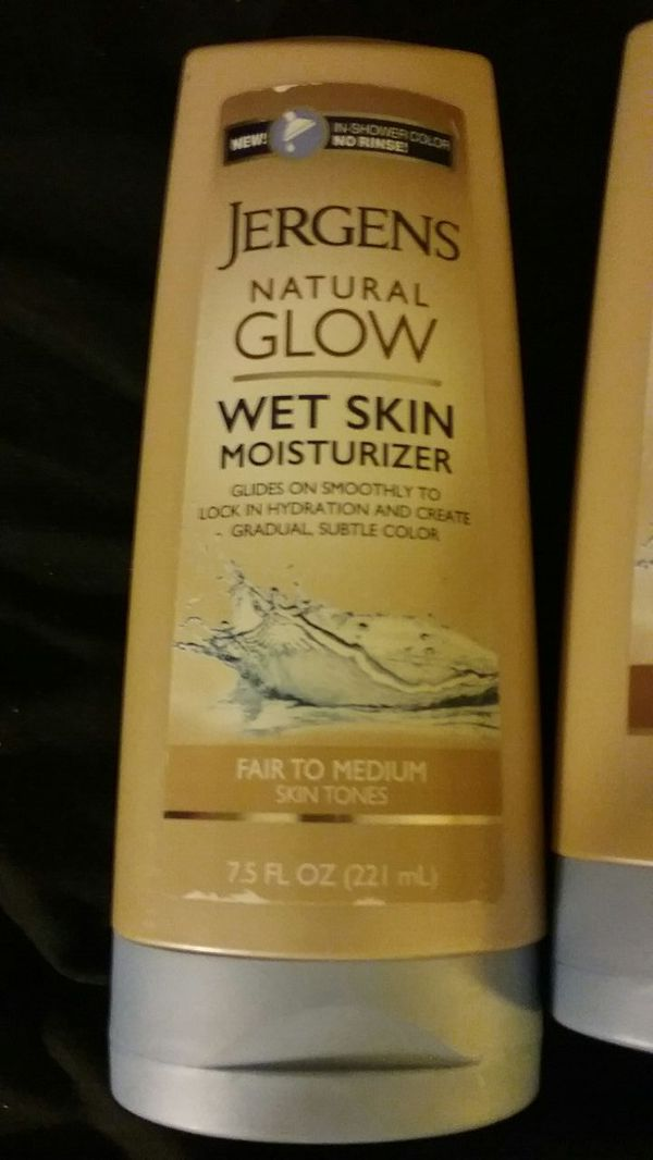 New never used Jergens Natural Glow Wet Skin Moisturizer