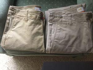 Lee's Men's Khaki Pants for Sale in Menasha, WI
