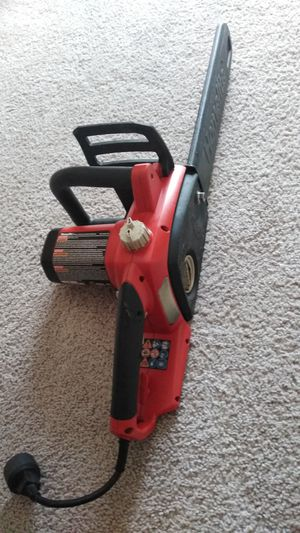 Homelite 16 in. 12 Amp Electric Chainsaw ( excellent condition ) for Sale in Frederick, MD
