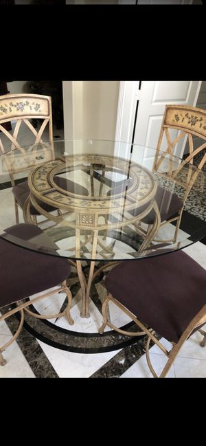 Antique Kitchen dining table with four chairs for Sale in La Mesa, CA