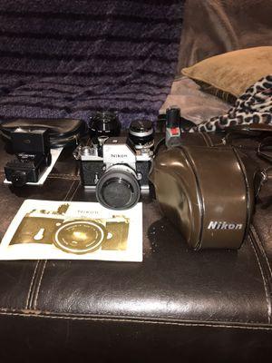 Nikon F SLR camera 1959-1963 series RARE FULL kit (3 lenses, flash, hard cases)! for Sale in Middletown, CT