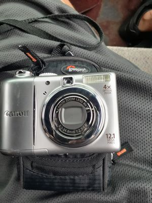 CANON Digital Camera with case for Sale in San Fernando, CA