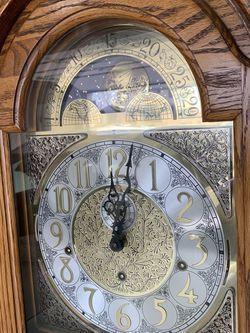 Howard Miller Grandfather Clock for Sale in Macomb,  MI
