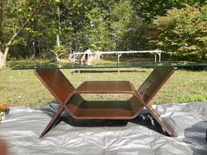 Coffee table/tv stand for Sale in Buckingham, VA