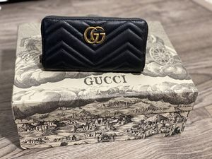 Gucci Long Wallet for Sale in Downers Grove, IL