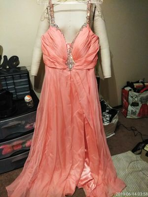 Dresses (prom, formal, wedding,. Etc) for Sale in Columbus, OH