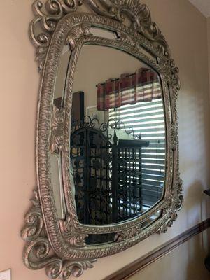 Beautiful mirror very heavy $125 for Sale in Pembroke Pines, FL