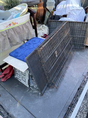"""Dog cages $20 ea both $30 30"""" 36"""" for Sale in Plantation, FL"""