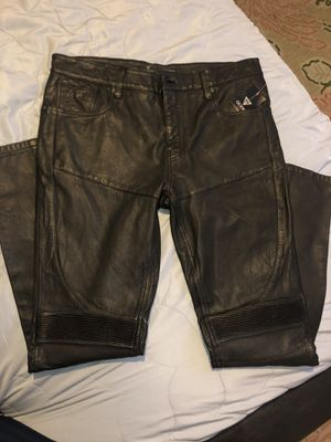 Guess lether pant for Sale in Lynwood, CA