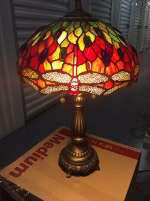 INCREDIBLE STAINED GLASS DESK OR ACCENT LAMP for Sale in Tempe, AZ