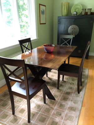 Dining / Breakfast Room Table & SIX Chairs for Sale in Watertown, MA