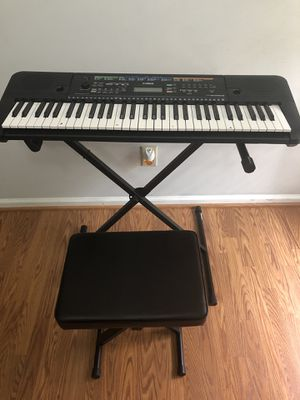 Yamaha PSR-E253 Keyboard w/ Stand and Stool for Sale in Mint Hill, NC
