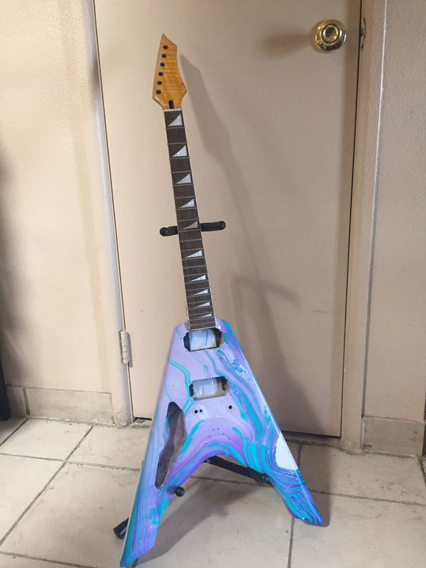 Lefty Flying V body and set neck