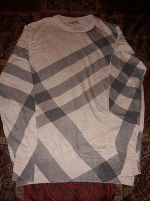 Burberry sweater Sz LARGE for Sale in Los Angeles, CA