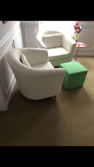 Chairs, ottoman, side table all for sale....never used. Beautiful for Sale in Broadlands, VA