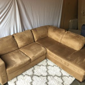 Beautiful Italian Sectional ( Delivery Available ) for Sale in Seattle, WA