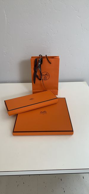 Auth Hermès Boxes, Bag and Ribbon for Sale in Orange, CA
