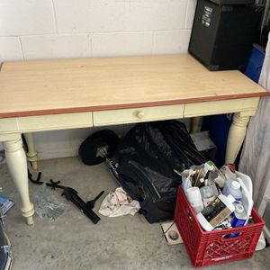 Desk for Sale in Haines City, FL
