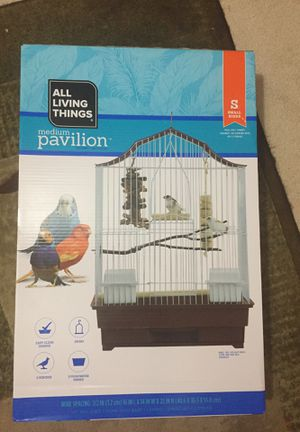 All living things medium pavilion bird cage for Sale in Ashland City, TN