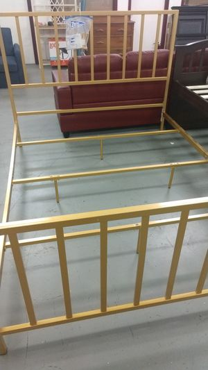 Queen size bed frame for Sale in Martinsburg, WV