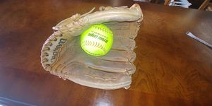 "Wilson ""THE A2000 XLC"" Dual Hinge Baseball Glove for Sale in Georgetown, TX"