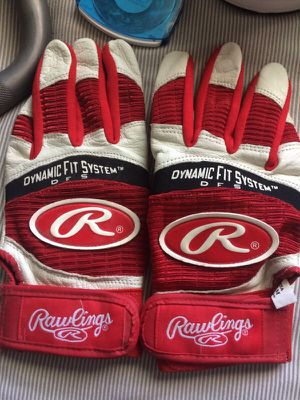 Rawlings adult medium baseball batting gloves for Sale in Murrieta, CA