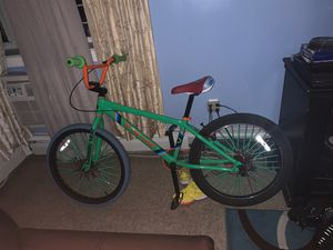 2018 green so cal flyer for Sale in The Bronx, NY