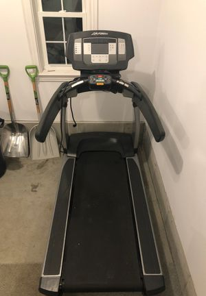 Life fitness 95t commercial treadmill for Sale in Falmouth, ME