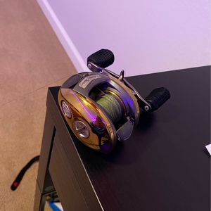 SeriesJonny Morris Bass Pro Shop baitcasting reel Gold Series for Sale in Novato, CA