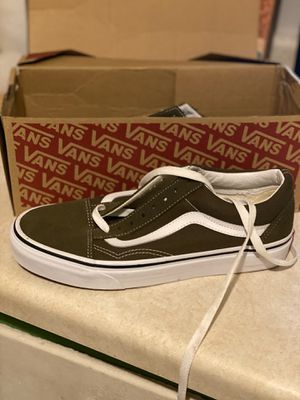 Hunter/Beech Green and White Vans 7 mens for Sale in Bedford, OH