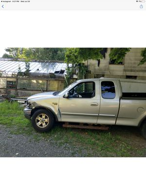 2004 Ford F150 4 x 4 runs great motor transmission perfect condition needs work for Sale in Cherry Hill, NJ