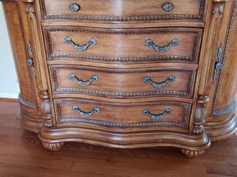 Vintage Hutch With Mirror for Sale in Bryn Athyn,  PA