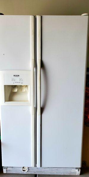 Kirkland by whirlpool refrigerator double door for Sale in Las Vegas, NV