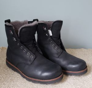 UGG Mens Waterproof Boots - Size 8 - Like NEW for Sale in Pittsburgh, PA