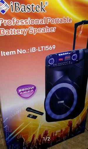 """15""""bluetooth speaker super loud 8800 watts. for Sale in Houston, TX"""