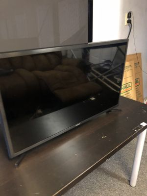 36inch Samsung Smart tv 4K CHEAPEST ON THE MARKET for Sale in Tampa, FL