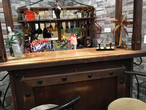 Bar with everything included except bar stools for Sale in Homestead, FL