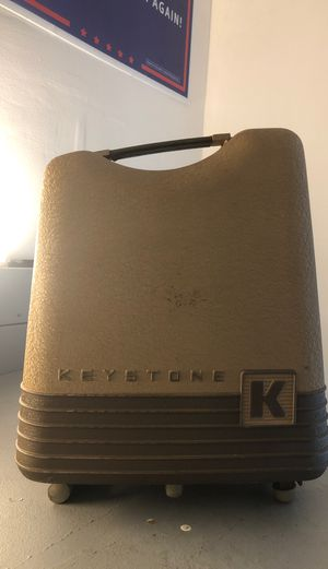 8 MM KEYSTONE PROJECTOR for Sale in Coral Springs, FL