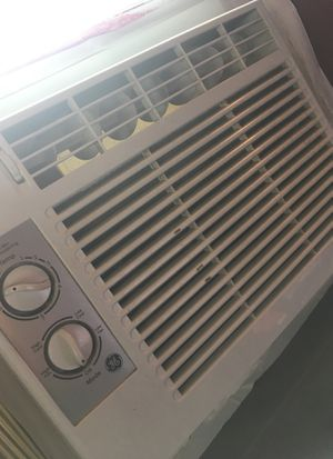 GE Appliances small window ac unit for Sale in Oskaloosa, IA