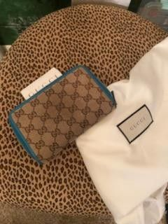 Like new -Gucci Wallet for Sale in Millersville,  MD