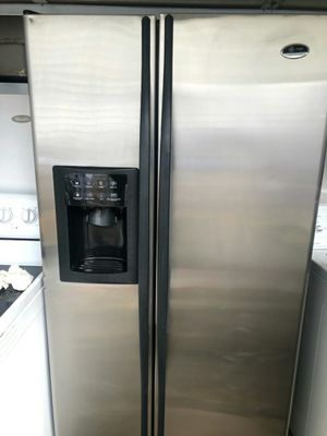 GE. PROFILE REFRIGERATOR. for Sale in Cranston, RI