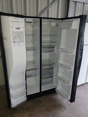 Kenmore fridge for Sale in Sterling, VA
