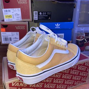 Old School Vans, Colorway: Mustard yellow (Size: 6.5 gs) for Sale in Silver Spring, MD