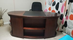 Big desk for Sale in Fairfield, PA
