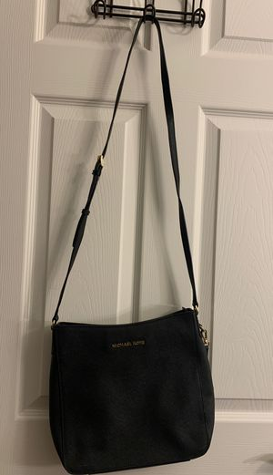 Michael Kors black leather satchel- medium for Sale in Lakewood, CO