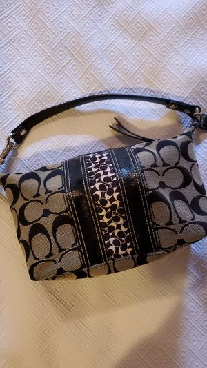 Small COACH Purse for Sale in Middleburg Heights, OH