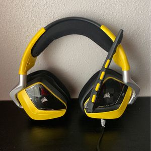 Corsair Gaming Void USB RGB Gaming Headset. Color Yellow, Any Size. for Sale in Hemet, CA