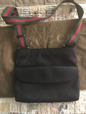 Gucci Crossbody/Shoulder Bag for Sale in Los Angeles, CA