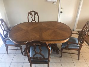 Hard Wood Table Set for Sale in Hesperia, CA